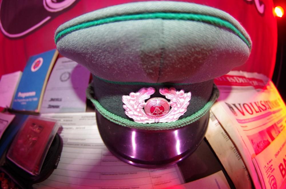 Der Hut der Volkspolizei